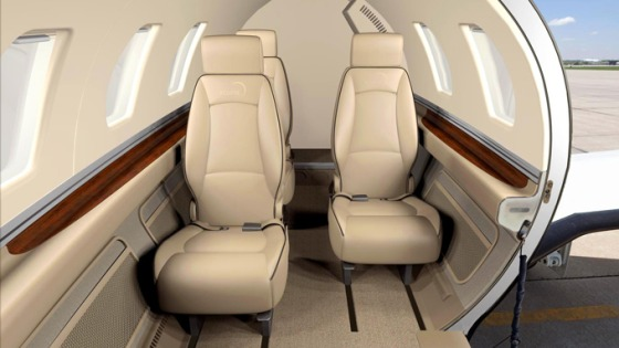 Eclipse 500 interior