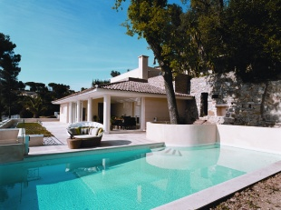 Cannes house and pool