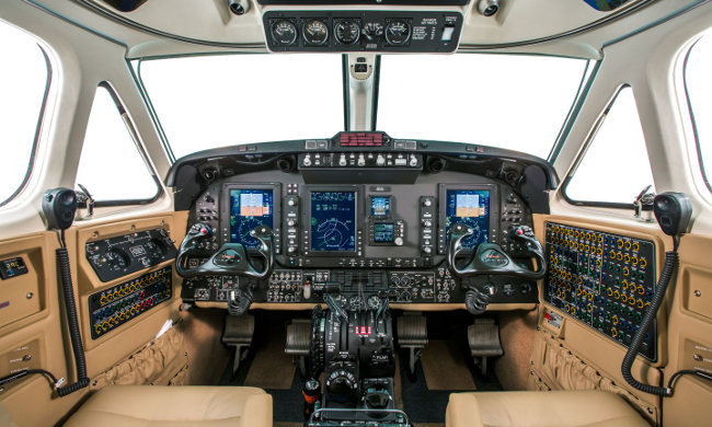 KingAir 350i cockpit